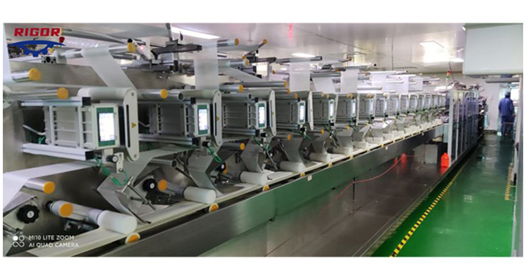High Performance 12 Lanes Alcohol Baby Wet Wipes Machine