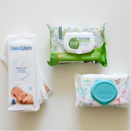 What is the usage of wet wipes?